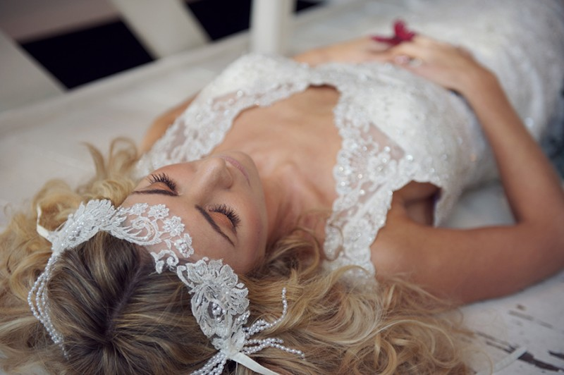 Golden.-Bridal-Styled-Shoot-by-Rebecca-Douglas-Photography-0086